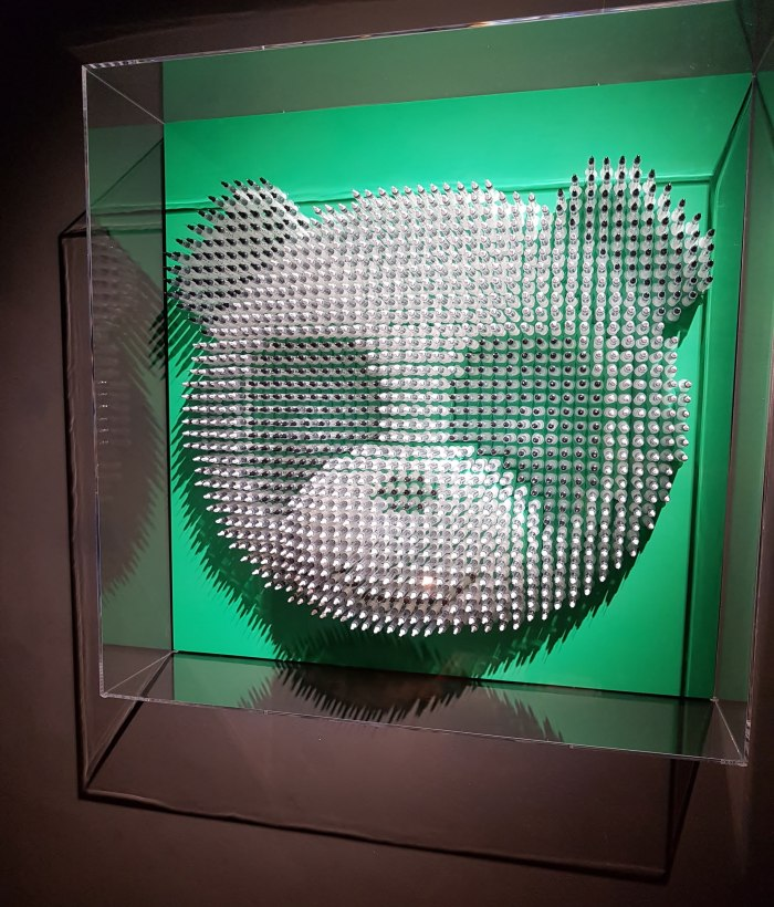 Twinkle in my Eye_panda wall sculpture Anthony Moman